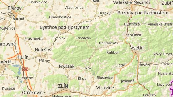 Silničáři budou opravovat devítikilometrový úsek z Chvalčova (červená) přes Tesák po odbočku na Rajnochovice (modrá značka).