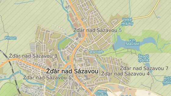 Na křižovatce ulic Vysocká, Wonkova a Studentská ve Žďáře nad Sázavou vznikne standardní kruhový objezd.