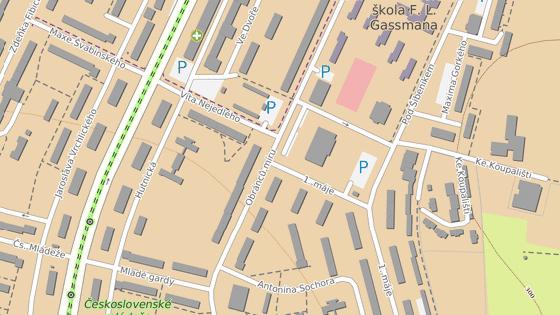 Napadení se odehrálo poblíž křižovatky ulic Obránců míru a 1. máje.