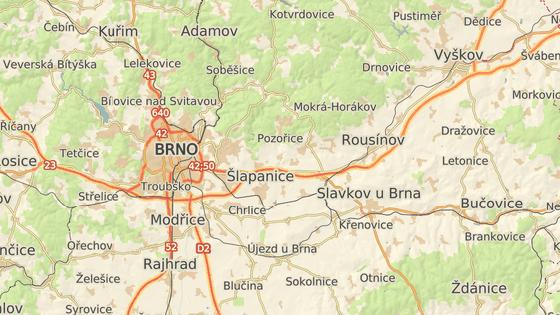 Hledaný řidič zapadl na polní cestě ve Velaticích na Brněnsku.