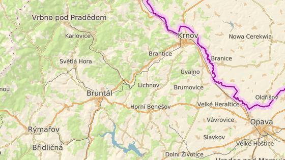 Obec Nové Heřminovy leží na silnici I/45 mezi Bruntálem a Krnovem.