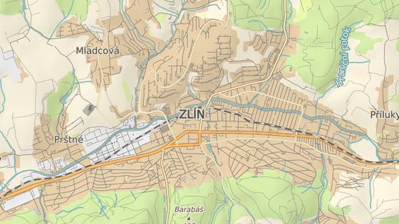 Sadová ulice, kde Zlín testuje rezidentní parkování, je v samém centru města.
