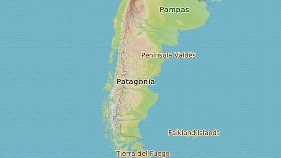Modrá značka ukazuje námořní základnu Ushuaia, odkud ponorka vyplula, černá značka místo posledního kontaktu a červená místo, kam směřovala, námořní základnu v Mar del Plata
