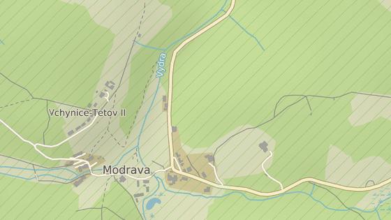 Červeně je označené současné parkoviště v centru Modravy, druhá značka je na místě plánované odstavné plochy.
