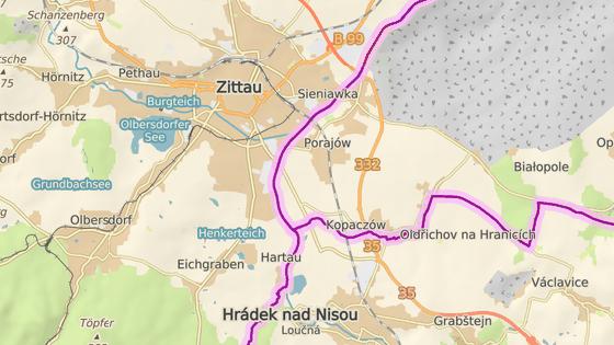 Přes Polsko vede ani ne tříkilometrový úsek tratě