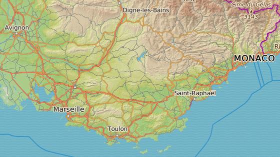 Obec Bormes-les-Mimosas na jihu Francie.