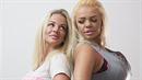 Georgina a Kayla (vpravo) už utratily 2 milióny za to, aby se přiblížily svému...