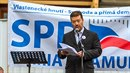 Tomio Okamura vydává své hnutí SPD za vlastenecké. Asi proto, že jediný...