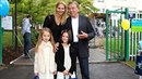 Manželé Gottovi s dcerami Charlotte Ellou a Nelly Sofií.