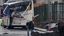 Ve Francii došlo k tragické autonehodě školního autobusu. Po čelní srážce s...