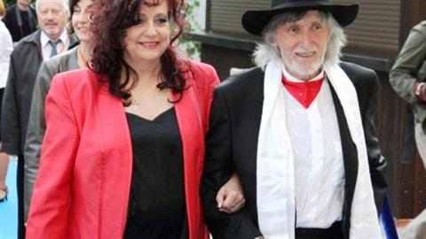 Mezi hosty jsou například režisér Juraj Jakubisko s manželkou. (Archivní foto)