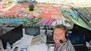 Jaromír Bosák komentoval i mistrovství světa v Brazílii. I odtamtud zásoboval...