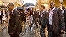 Michelle a Barack Obamovi na procházce po historické části Havany.