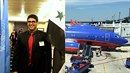 Studenta vyhodili z letadla, protože mluvil arabsky.