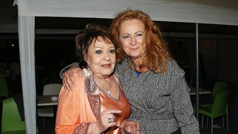 Jiřina Bohdalová pozvala Miloše Zemana do sídla TOP 09, kde slavila své 85....