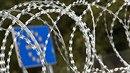 Evropské hranice se uzavírají před uprchlíky. Výjimkou nejsou sni hranice...