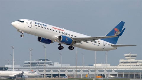Letadlo společnosti Egyptair na lince z Paříže do Káhiry zmizelo z radaru.
