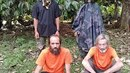Islámští teroristé na Filipínách loni unesli dva Kanaďany. prvního z mužů...