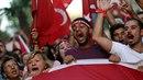 Turci po puči prohlašují, že jsou za Erdogana ochotní i zemřít..