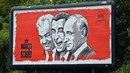 Na pražské ulici 5. května se objevil billboard karikující Miloše Zemana a...