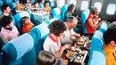 Pohodlnější sedačky, více místa a hlavně množství dobrého jídla. Klidně bychom...