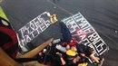 Protest bílých aktivistů za černé životy.