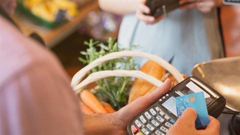 Platba bezkontaktní kreditkou je tak pohodlná.