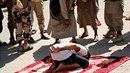 Barbarství radikálů z ISIS nezná mezí. Teroristé zveřejnili video, na kterém...