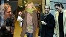 Celebrity vyrazili do ulic. Pohltil je vánoční shon?