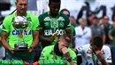 Dojemný moment: letecké neštěstí přežili pouze tři fotbalisté, zemřelo 19...