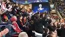 Tak takhle se ukázali fanoušci Monaka.