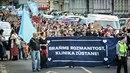 Demonstrace za Kliniku se zúčastnilo asi 300 aktivistů.