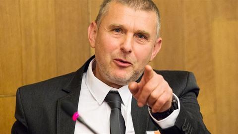 Bratr ministra spavedlonosti a arabista Petr Pelikán