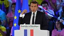 Emmanuel Macron se v případě zvolení prezidentem bude vyhraňovat vůči...