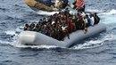 Gumové čluny převážející uprchlíky jsou převážně čínské provenience.