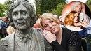 Na odhalení busty Petra Hapky přišla z jeho rodiny jen dcera Petra. Chyběla i...