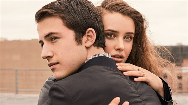 Dylan Minnette (Clay Jensen) a Katherine Langford (Hannah Baker), 13 Reasons Why