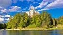 Hrad Trakoščan je v Chorvatsku jeden z nejkrásnějších.