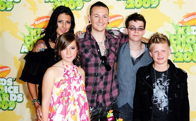 Chester Bennington s rodinou na Nickelodeon Awards (2009)