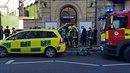 Londýnským metrem v pátek ráno otřásla exploze.