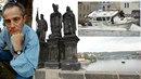 Jan Tříska byl ve vodě dlouhé minuty bez pomoci, proč nazasáhl poříční útvar...