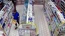 Policie zjišťuje totožnost pachatele, který kradl v jedné ostravské drogerii.