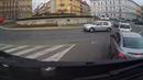 Ve Znojmě jel řidič v protisměru na kruhovém objezdu.