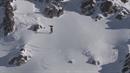 Snowboardista spustil lavinu.