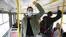 Rouška vás podle doktorů před chřipkou neochrání.