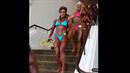 Fitness dámy, které jdou na soutěž.