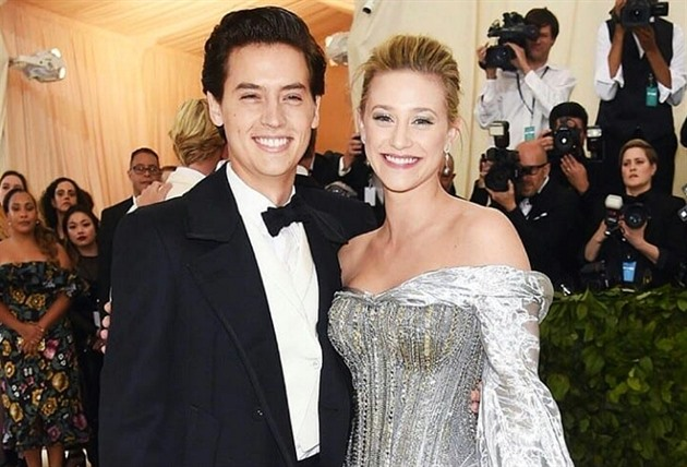 Cole Sprouse a Lili Reinhart na Met Gala 2018