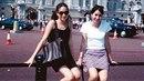 Meghan Markle před Buckinghamským palácem jako turistka. O několik let později...