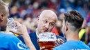 Ředitel Plzně Adolf Šádek se při oslavách fotbalového titulu ukázal jako...