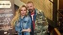 Kateřina Kristelová a Tomáš Řepka se dali na prodej triček.